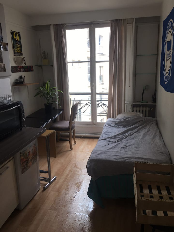studio in the center of paris