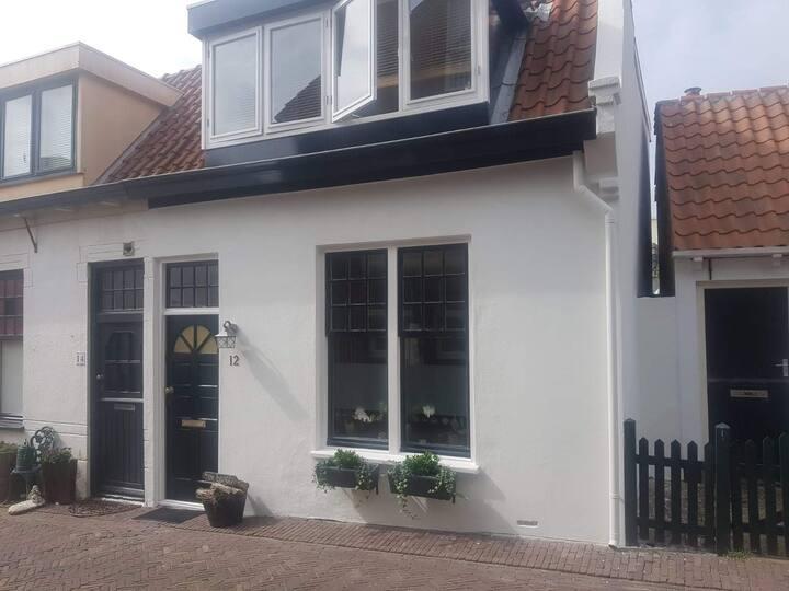 Zandvoort-Entire House in Centrum