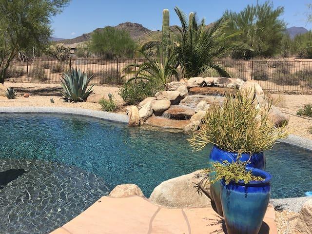 Unique Crooked Cactus Ranch Bunkhouse