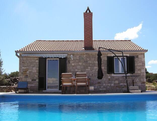 Pool villa (sandy beach nearby) - Postira - Dom