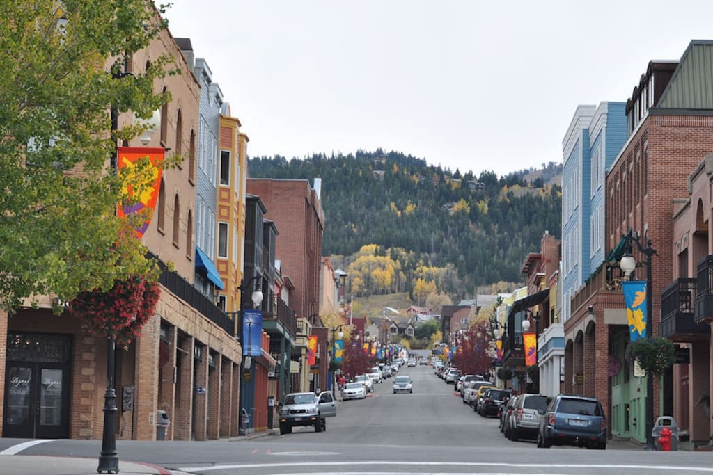 The Ultimate Sundance Location.  Walking Distance to all the theaters and events on Main Street.  That's us at the top of the road.  quiet location minutes from ll the excitement and high art.
