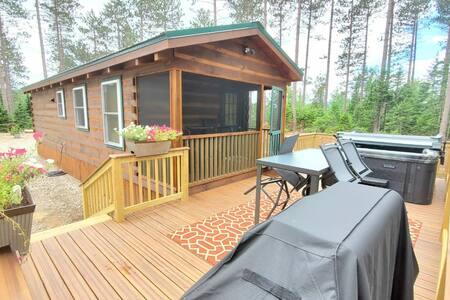 Modern Tiny Home next to Titus Mtn Ski Resort