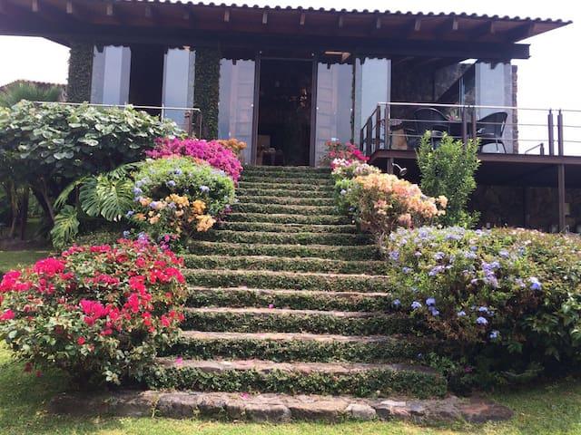 Casa en la Montaña con vista espectacular