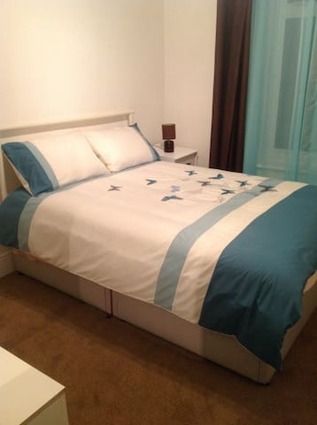 Double room in lovely family home - Plymouth - Rumah
