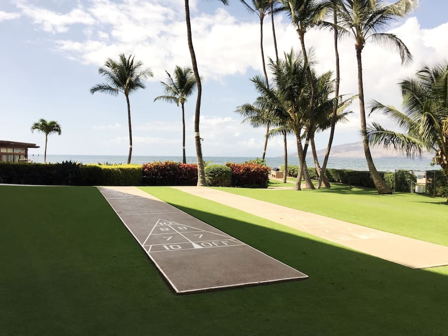 Shuffle Board on Menehune Shores grounds.