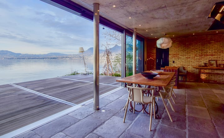 NEW 3BD Luxury Villa on the Geneva Lake / Montreux