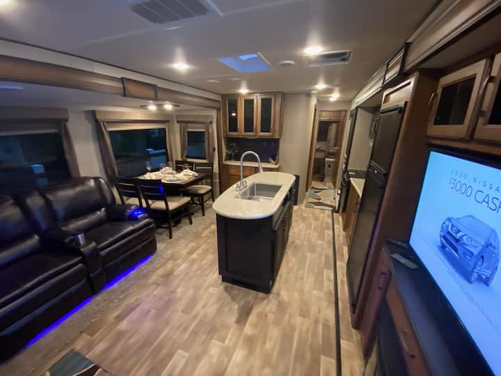 Luxury RV Rental in quiet neighborhood