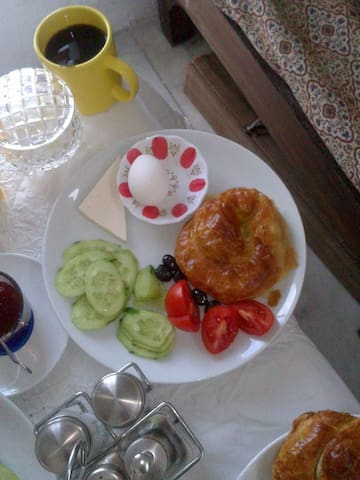 A complimentry Full Turkish Breakfast