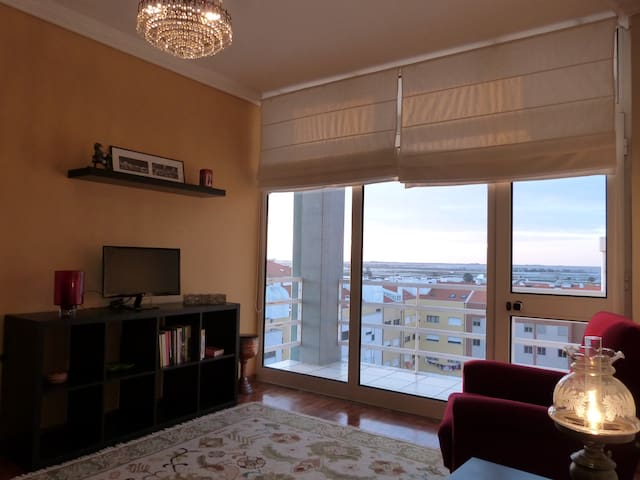 Cozy Apartment with Sunset View - Aveiro - Apartment