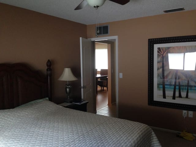 Sarasota Getaway, 55+, 3Bed/2BA