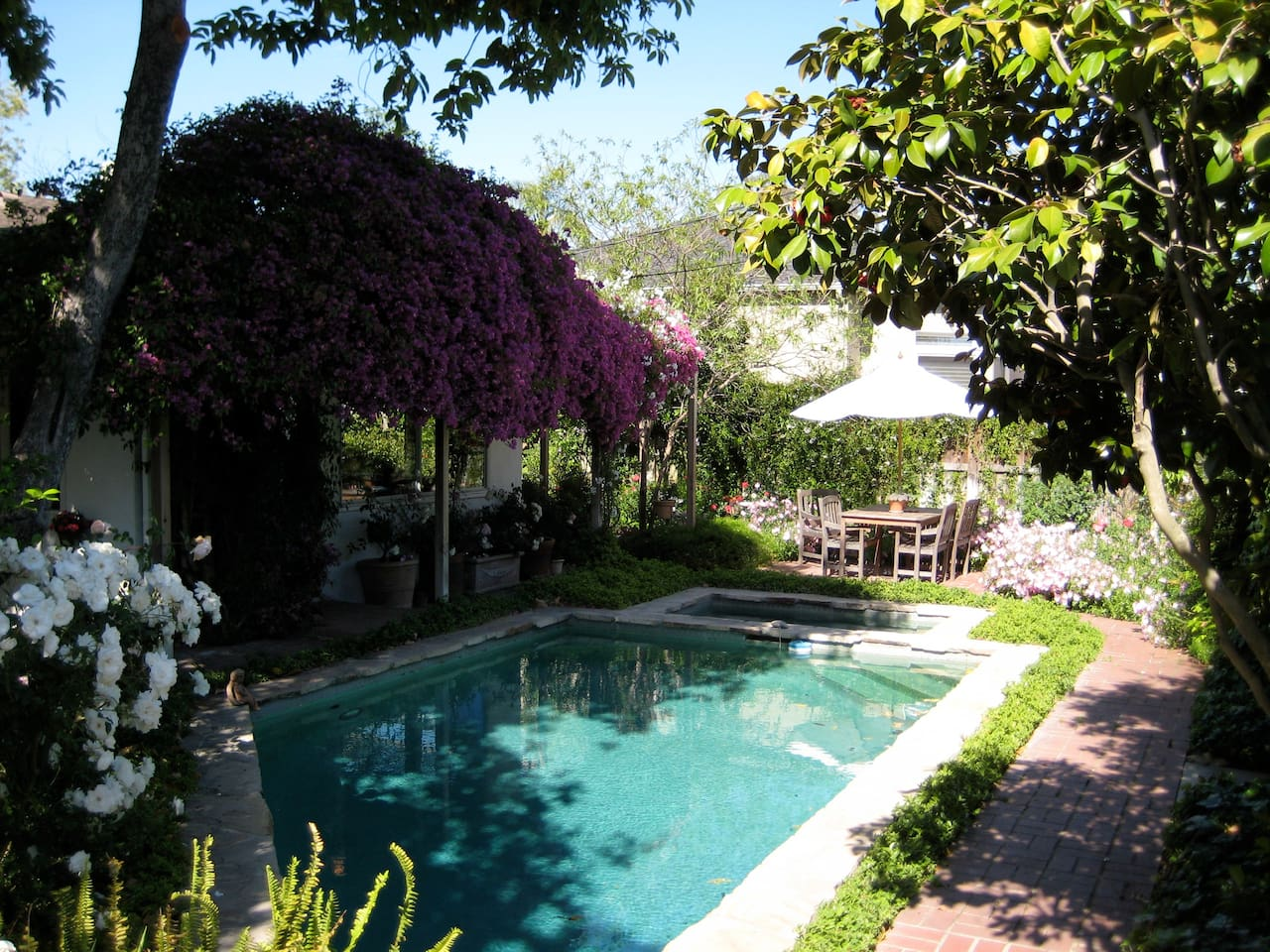 At Hesby House, the pool and jacuzzi are perfect for cooling off after a day enjoying LA.