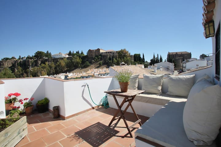 Lovely Suite with private Bathroom - Ronda - House