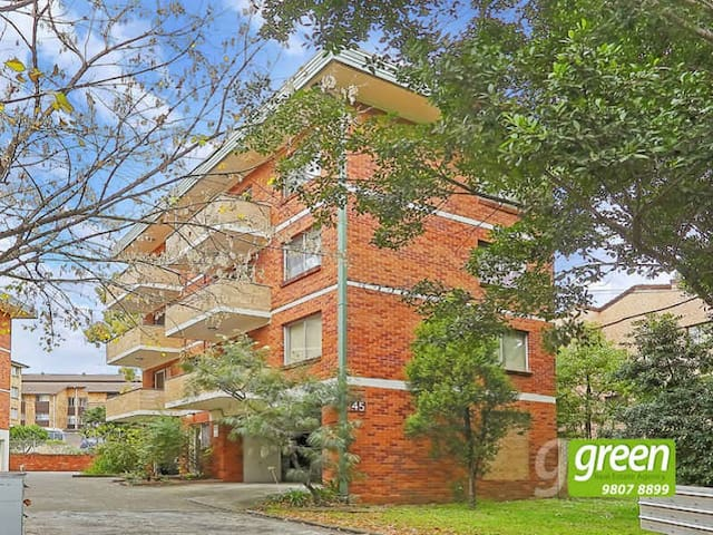 Fully Furnished One Bedroom Unit - Meadowbank