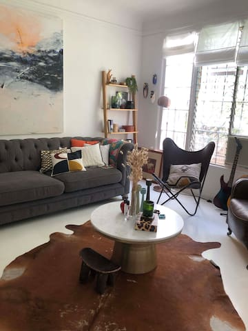Charming spanish style one bedroom apartment