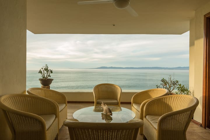 Luxury 3BR Oceanview Condo, Best Beach in Vallarta