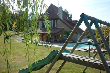 Villa campagne béarnaise avec Piscine et Spa - Castillon(Canton d'Arthez-de-Béarn) - Villa