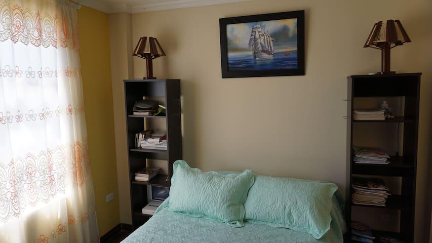 2 cuartos con camas de 2 plazas