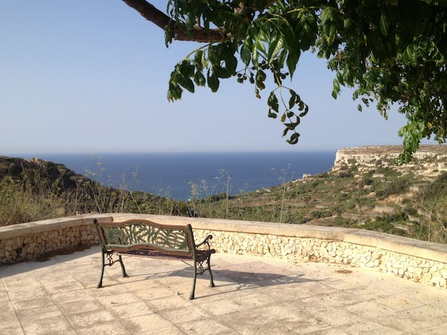 Gozo Retreat with views from all bedrooms - Nadur - Villa