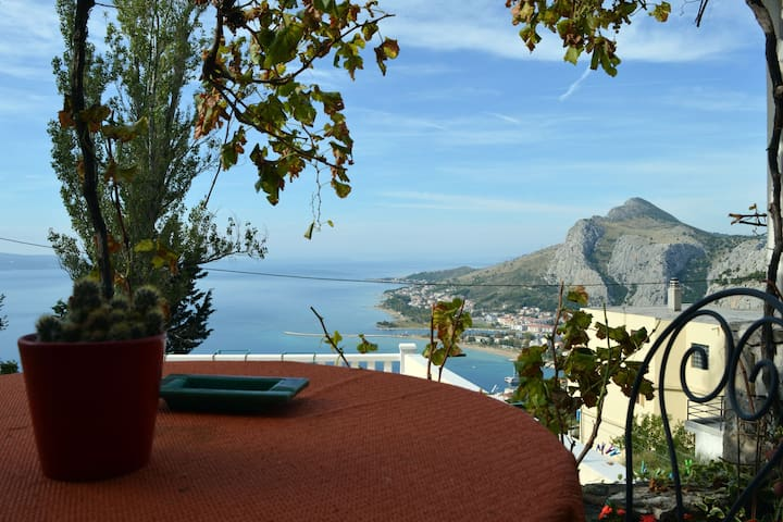 Nice studio Borak ( 2+1) with great view - Omiš - Apartment