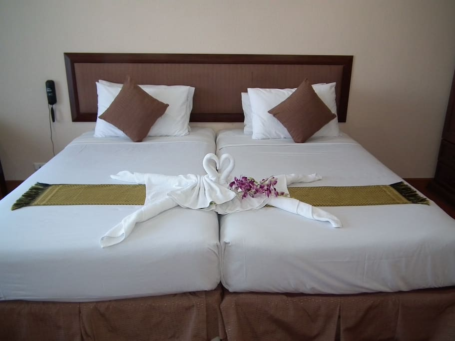 Studio with twin/double bed sea view balcony air-condition TV BIG plasma DVD refrigeration , mini bar , household appliances ,tableware (we have Hairdryer ,Microwave and Ironing table  for customer offer FREE) bathroom