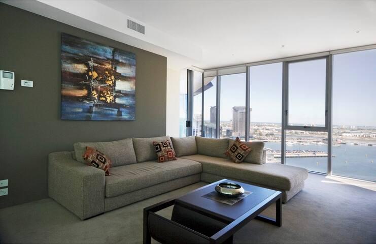 3 Bedroom Docklands New Quay Apartment - Docklands - Daire