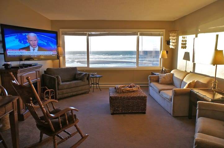 'The Codfather' Big Beach Condo! - Lincoln City - Lägenhet
