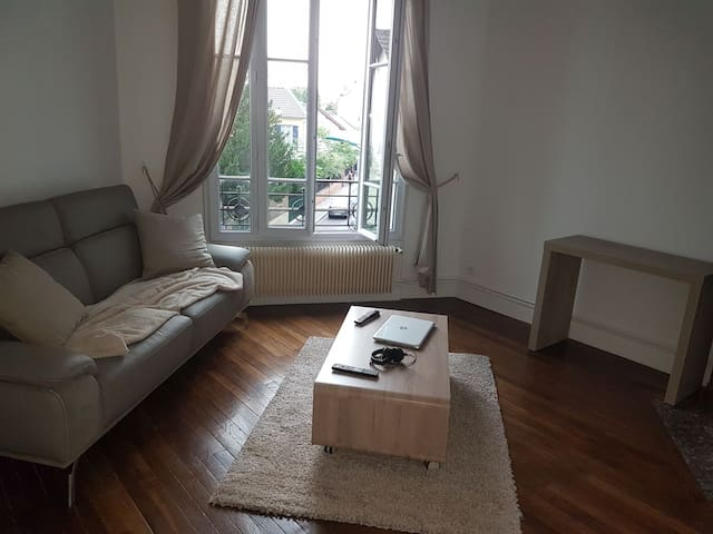 Superbe appartement au porte de paris.