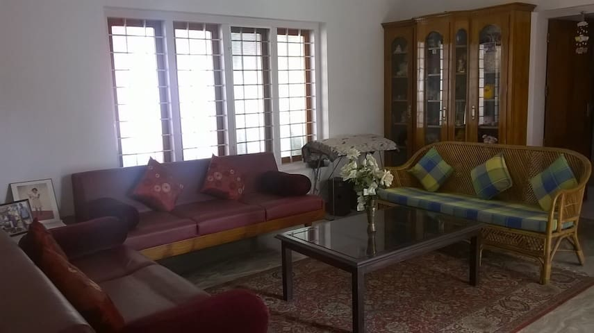 Centrally Located in Kottayam - Kottayam - Casa
