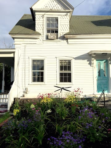 Historic home conveniently located - Kennebunkport - Hus