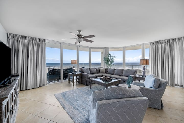 Traditional Four Bedroom Condo with Spacious Balcony Overlooking the Gulf of Mexico