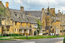 Broadway - gem of the Cotswolds - great shopping / eating / relaxing 14m
