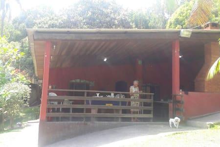 chacara super aconchegante em itapecerica prox SP - Itapecerica da Serra