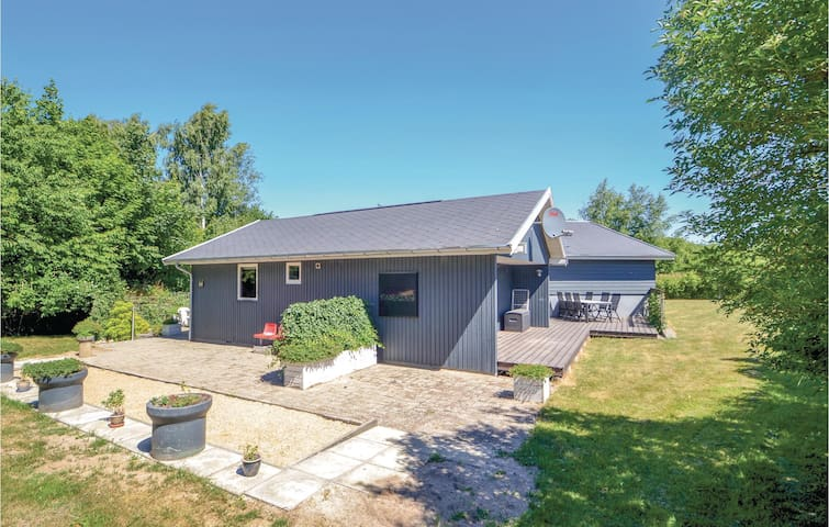 Holiday cottage with 3 bedrooms on 104m² in Glesborg