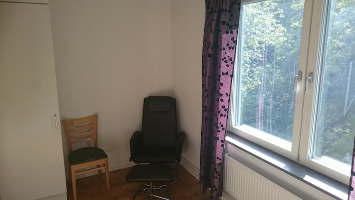 Separate 10 sq.m room i 20 min to city center