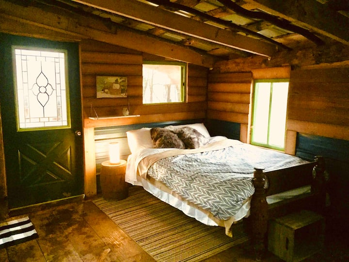 Outpost Cabin at Dirt Road Camp