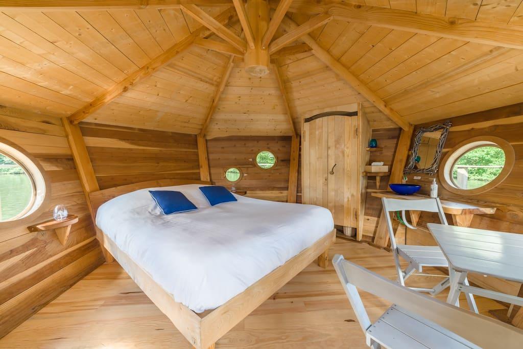 cabane lagon pour 2 personnes cabanes louer chassey l s montbozon bourgogne franche comt. Black Bedroom Furniture Sets. Home Design Ideas