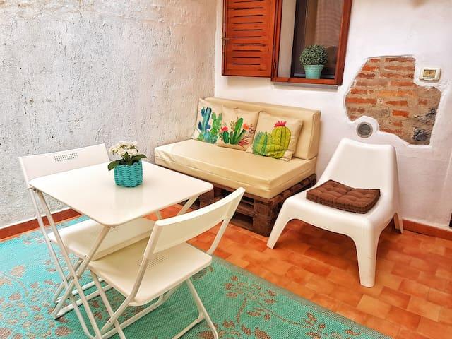 Indipendent room near the sea, Baratti and Elba!