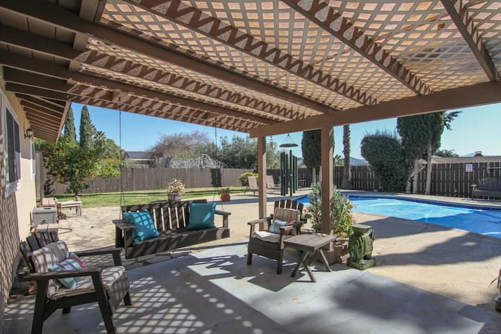 Escondido's Gem! Sleeps 11! Pool Included!