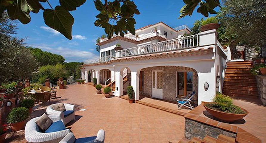 Villa Malvarosa, for up to 20 Guests.