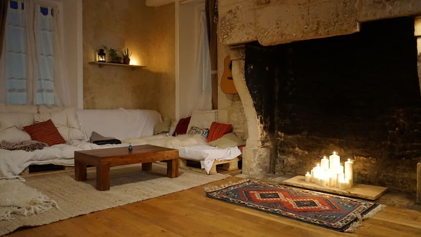 Cosy apartment near train station and city center