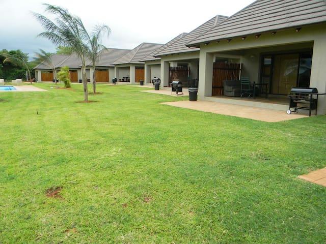 Kruger View Chalets - Malelane