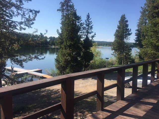 Island Park Waterfront Cabin