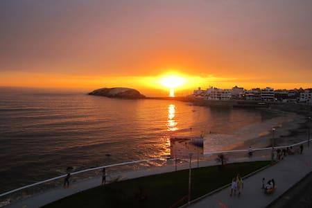 Deapartamento frente al mar Playa Blanca - Punta hermosa