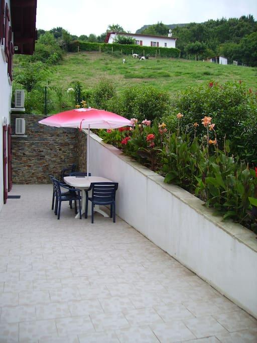 terrasse équipée