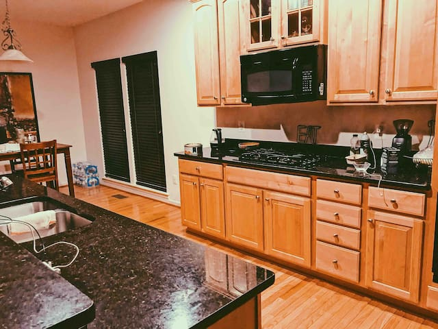 Full access to kitchen and all equipments