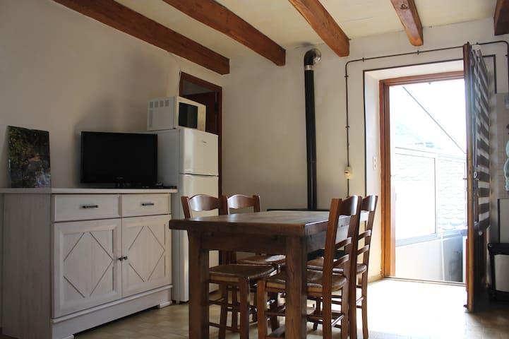 Maisonnette Les Aydons (Pied de Borne - Villefort)