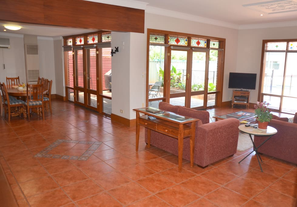 Open-plan lounge / kitchen / dining area.
