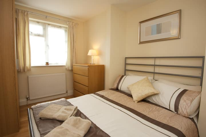 Lovely Oxford Two Bedroom Apartment