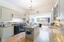 Kitchen diner, Aga, elelctric cooker, granite worktops