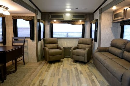 Luxury RV Living - Lot #3 - Brazoria - Bobil